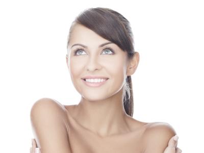 Tonificazione dei tessuti cutanei, attenuazione delle rughe e dei segni di espressione